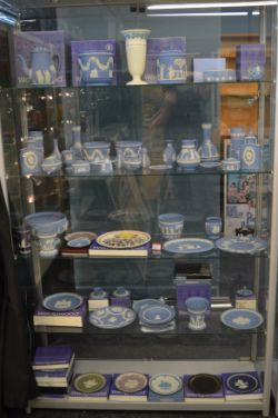 Antiques & Collectables Auction