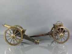 Modell-Kanone (2.H.19.Jh.)Eisen/Bronze; auf Kanonenlauf sign.: Pedro Rivetti, darüber ziseliertes,