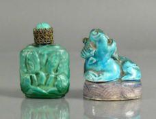 Flakon und Fo-Hund (China) farbig bemalte Keramik (Fo-Hund) sowie dickwandiges, floral