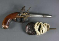 Perkussionspistole Nussbaumschaft mit Messingabschluss; Eisenlauf gemarkt: ARMI SAN. MARCO GARDONE