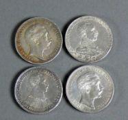 4 div. Silbermünzen alle Preussen; Drei Mark Wilhelm II 1911; Drei Mark Wilhelm II 1914; Drei Mark