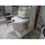 Excellent spiral mixer, model KSM1202M, Sn: 7395, new in 2003, used sparingly as a prototype mix