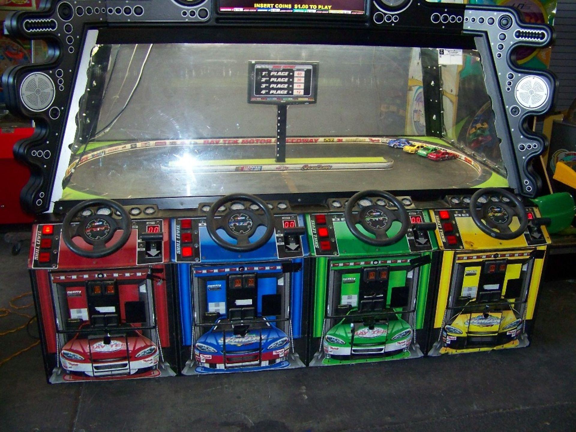 SHOWDOWN 4 PLAYER TICKET REDEMPTION GAME BAYTEK - Image 4 of 12