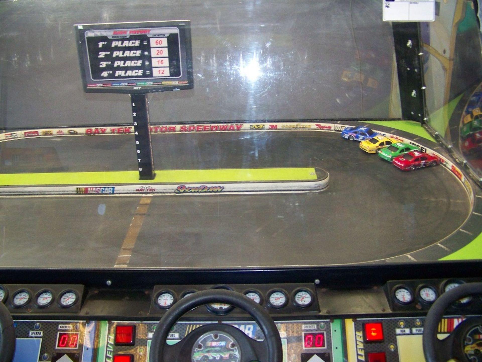 SHOWDOWN 4 PLAYER TICKET REDEMPTION GAME BAYTEK - Image 7 of 12
