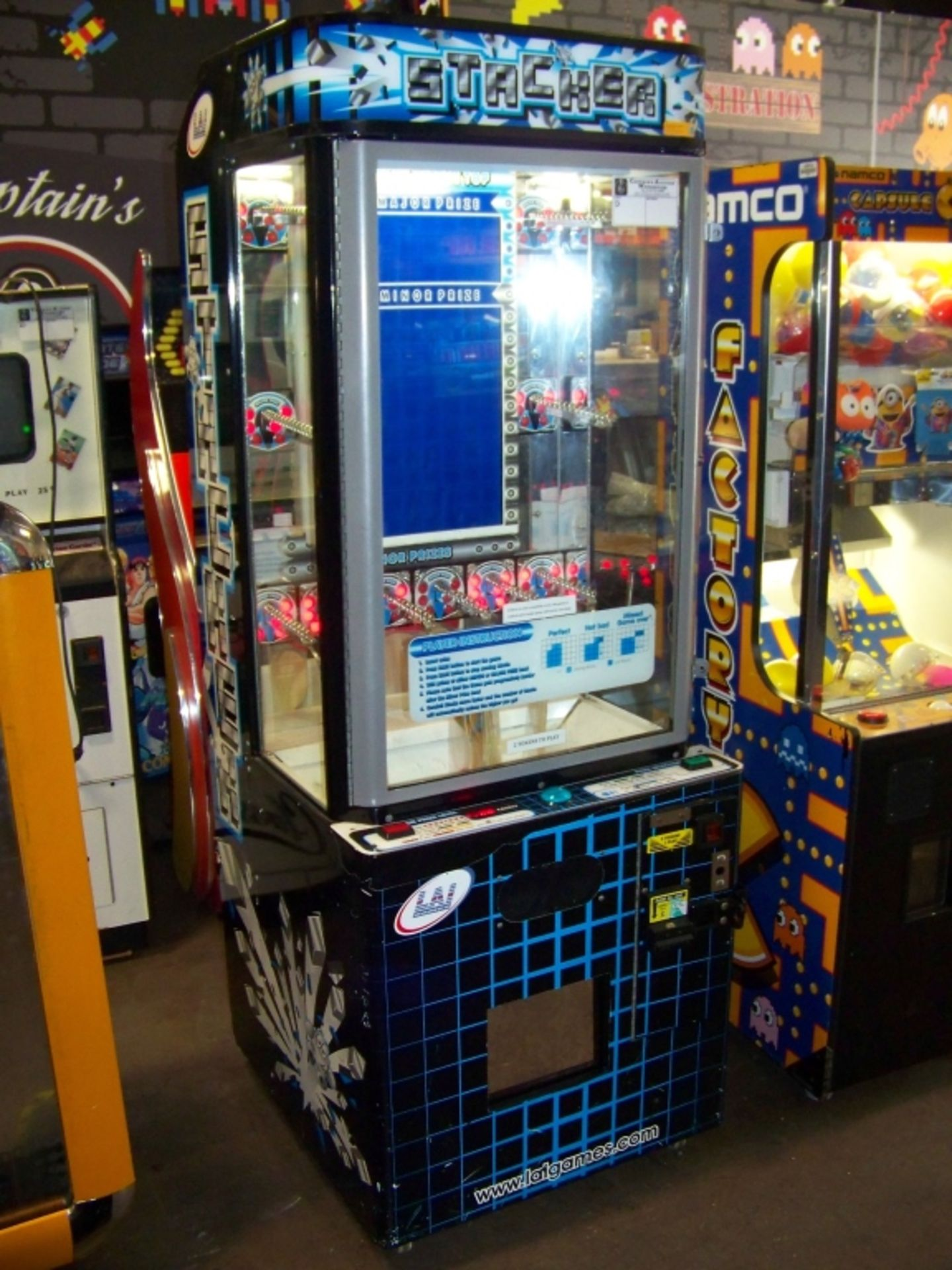 STACKER CLUB BLUE PRIZE REDEMPTION GAME D