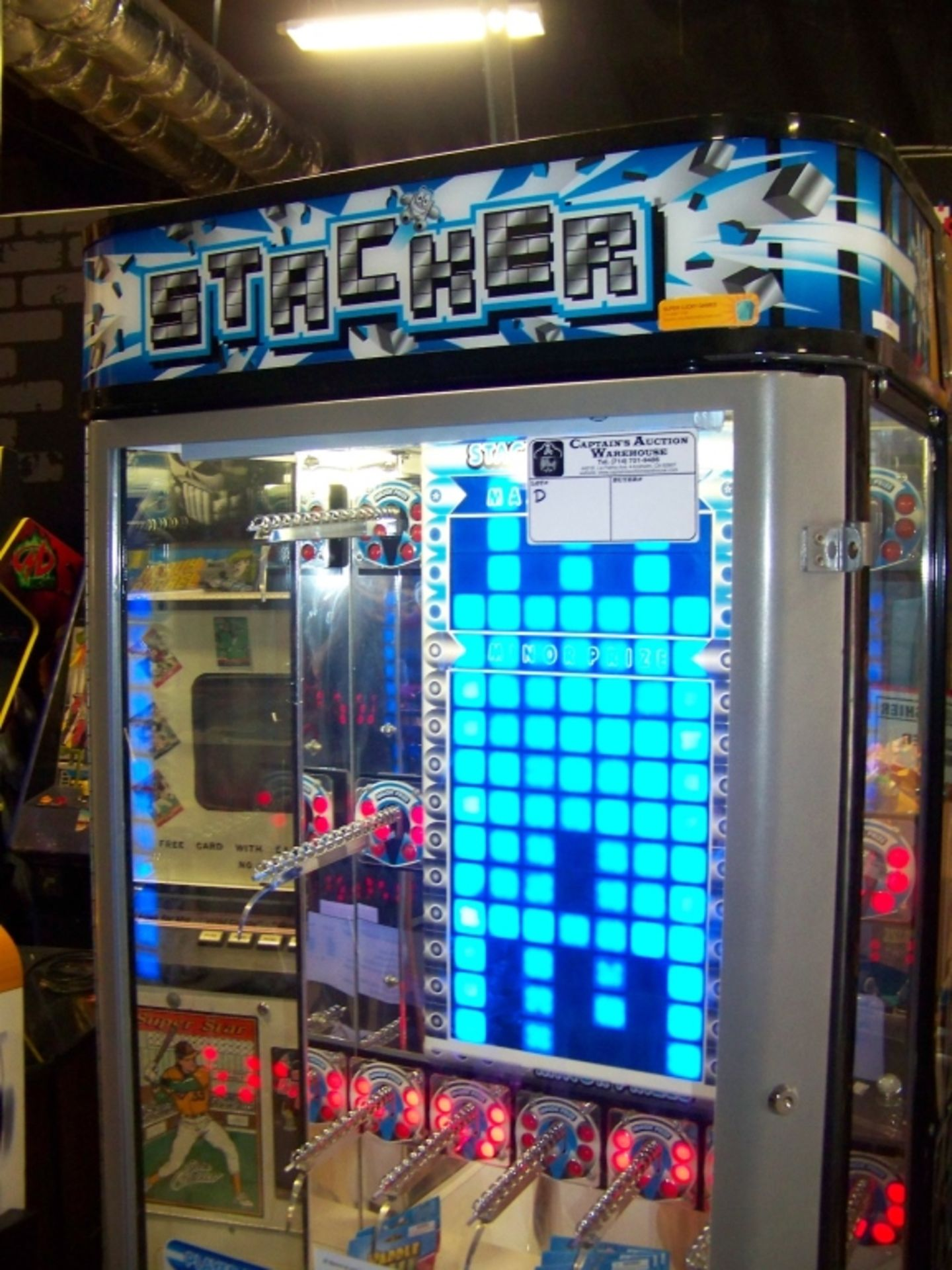 STACKER CLUB BLUE PRIZE REDEMPTION GAME D - Image 4 of 4