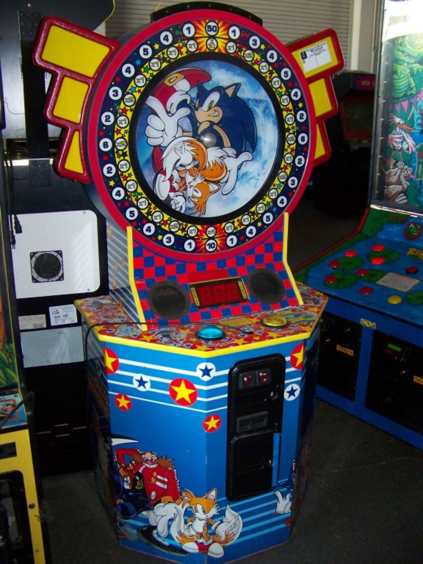 SONIC AND TAILS REDEMPTION GAME CABINET