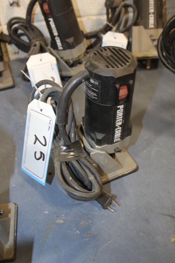 Lot 25 - PORTERCABLE TRIMMER