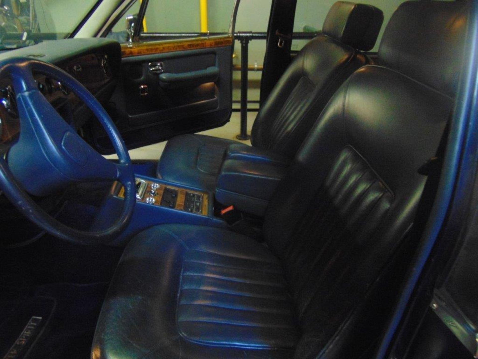 1991 ROLLS-ROYCE SILVER SPIRIT – ROYAL BLUE, 6.8 LIT. AC AND ALL SYSTEMS FULLY FUNCTIONAL, - Image 10 of 11