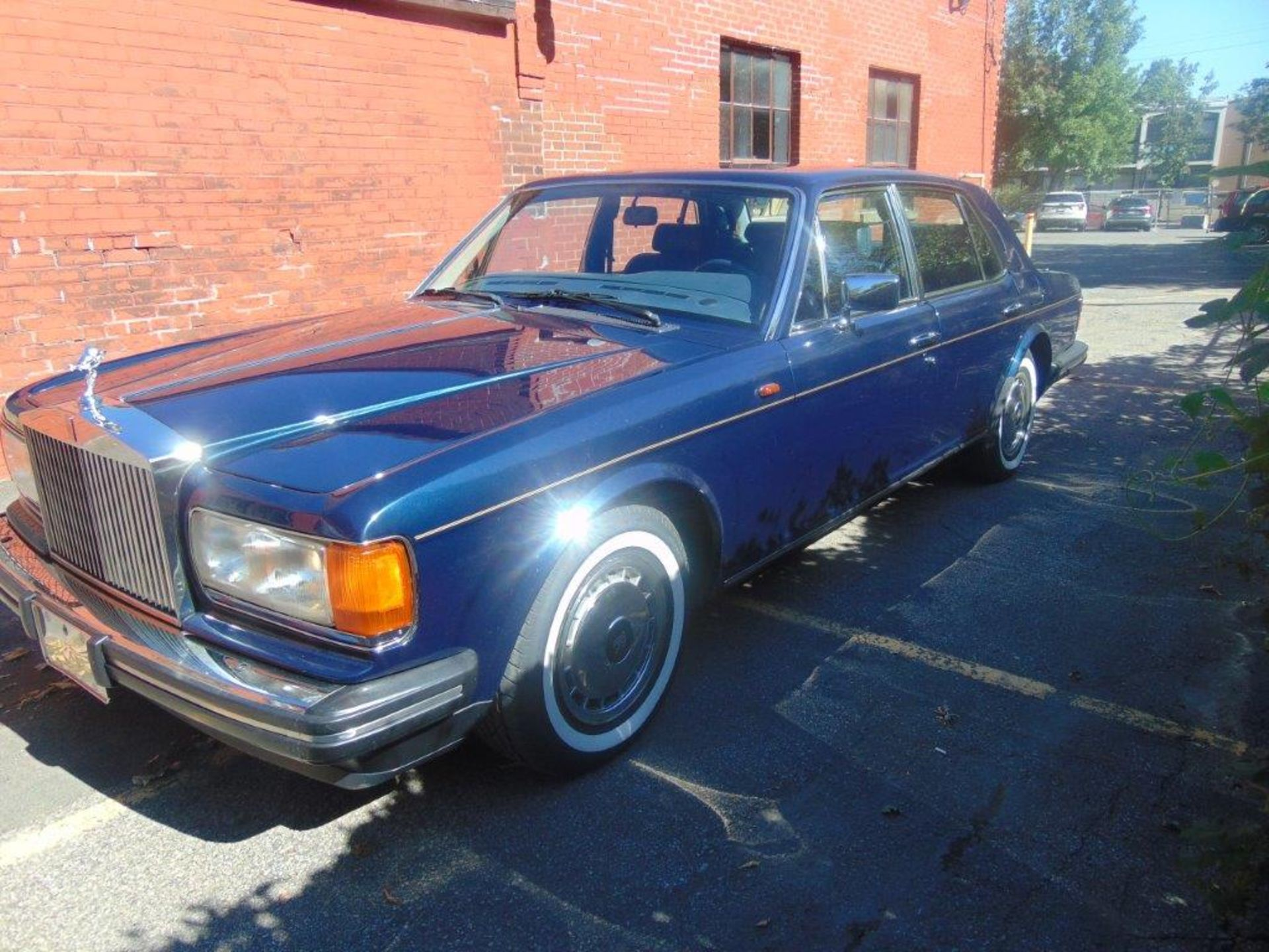 1991 ROLLS-ROYCE SILVER SPIRIT – ROYAL BLUE, 6.8 LIT. AC AND ALL SYSTEMS FULLY FUNCTIONAL, - Image 3 of 11