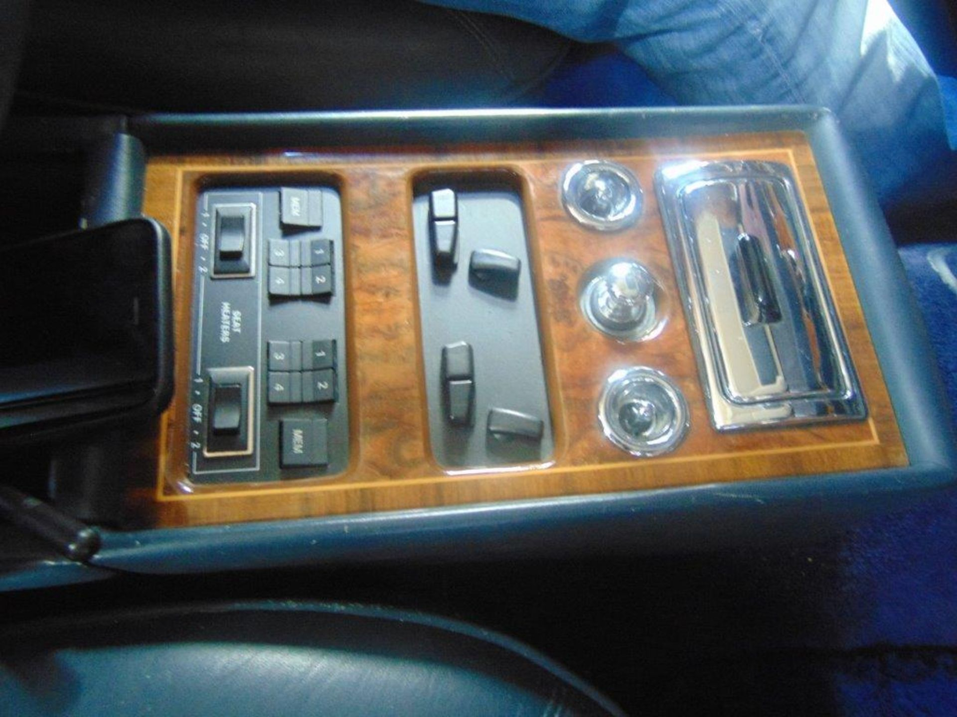 1991 ROLLS-ROYCE SILVER SPIRIT – ROYAL BLUE, 6.8 LIT. AC AND ALL SYSTEMS FULLY FUNCTIONAL, - Image 6 of 11