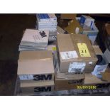 LOT CONSISTING OF: grinding discs & sand paper, assorted