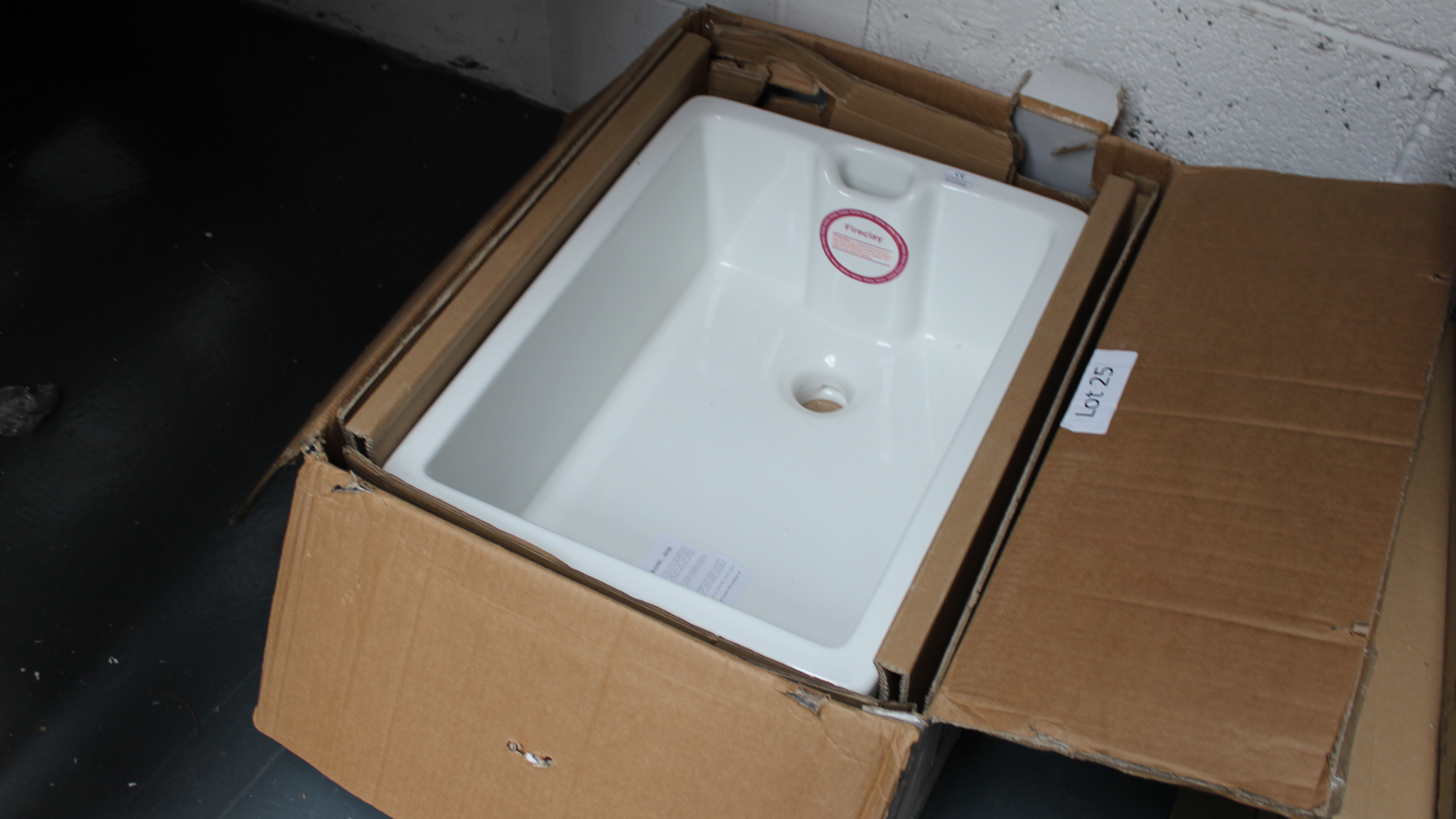Lot 25 - Belfast Sink. Customer Returns