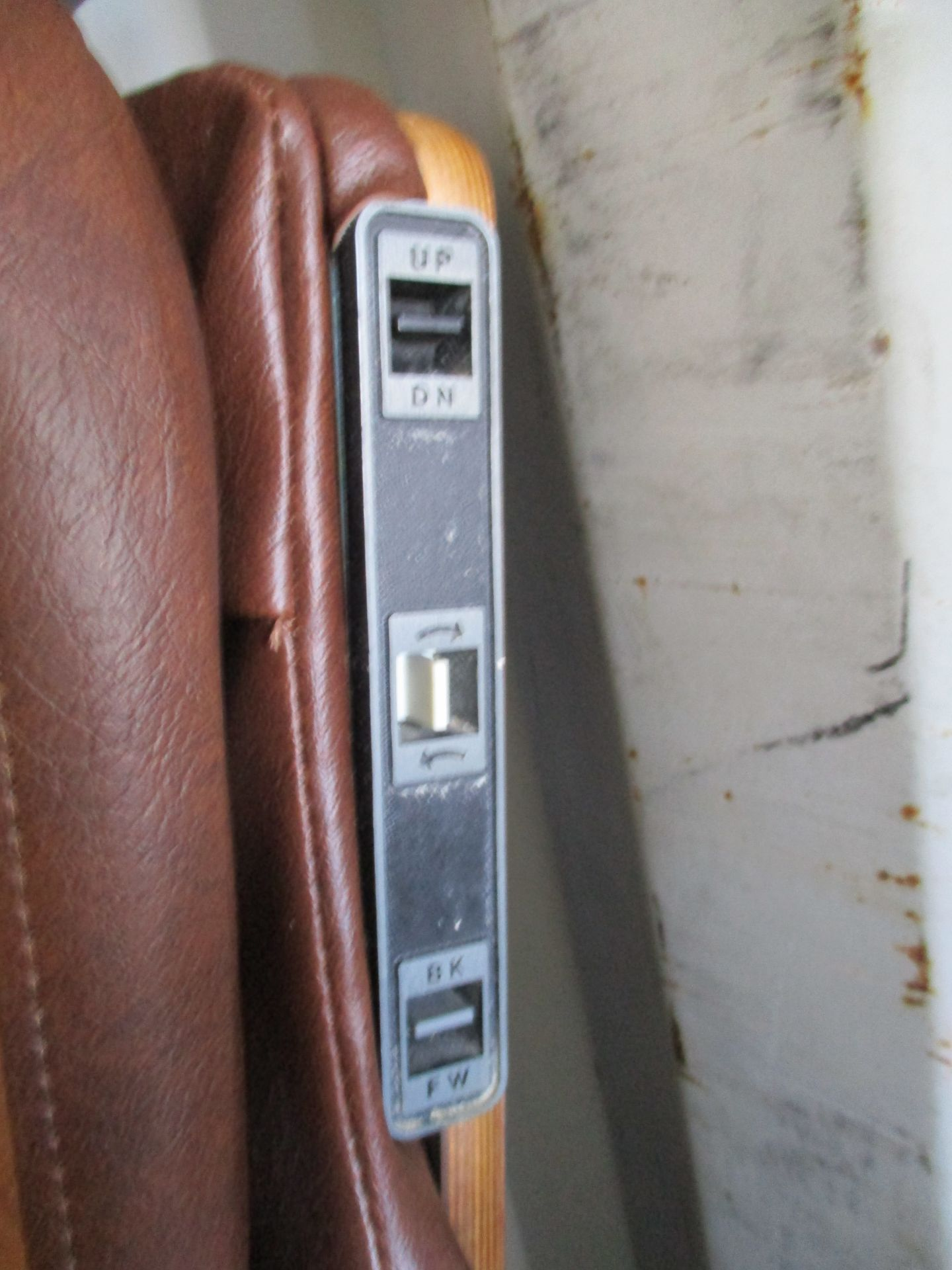 Adjustable Dental Chair - Image 5 of 5