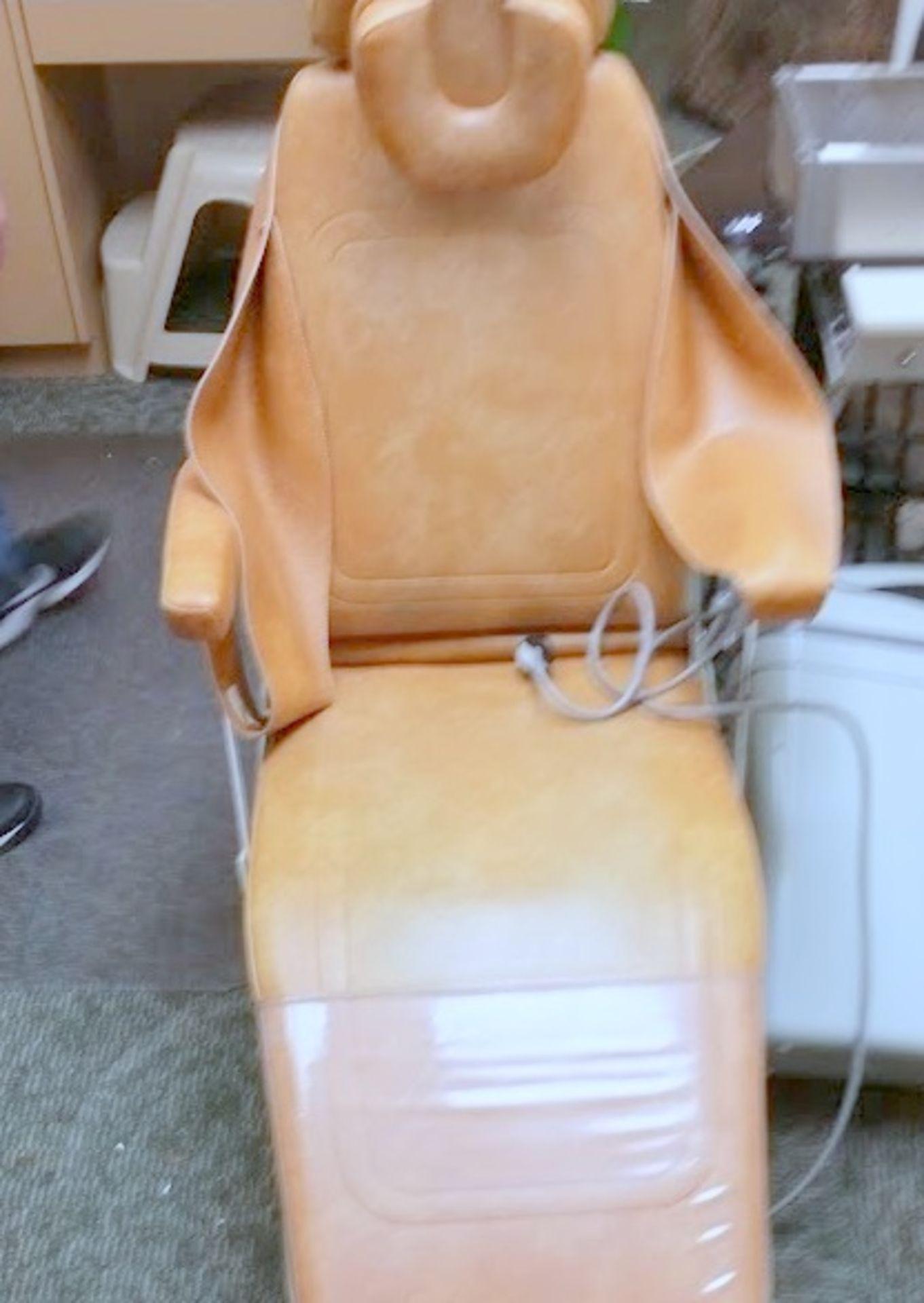 Belmont Model 019 adjustable Dental Chair - Image 4 of 5