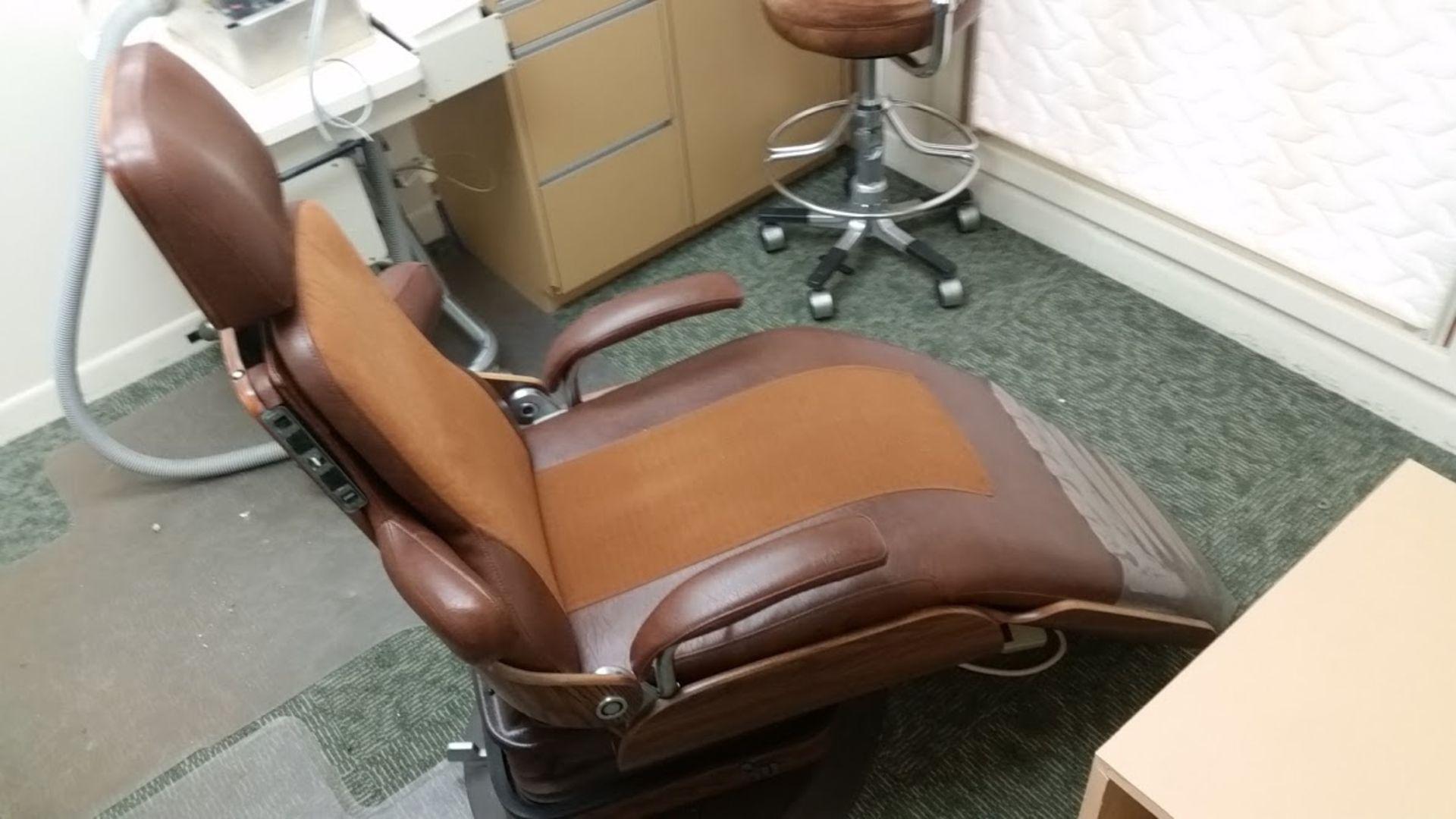 Adjustable Dental Chair - Image 4 of 5