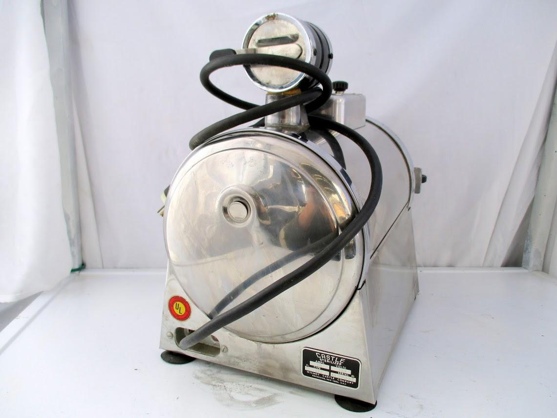 Lot 35 - Castle Model 777 Autoclave Sterilizer.110V 10 amps.