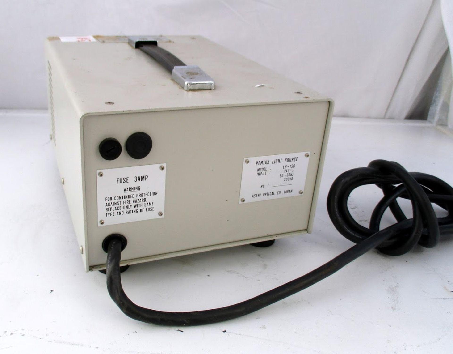Pentax Light Source Model LH-150 120V - Image 2 of 2