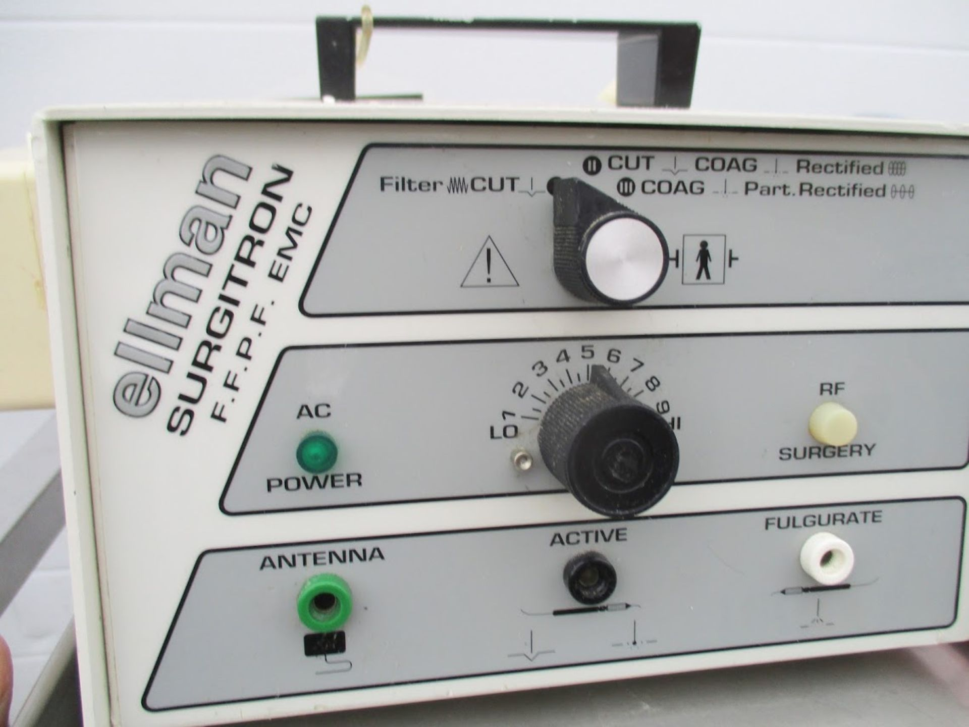 Ellman Surgitron EMC FFPF Electrosurgery Unit for Opthalmology. Comes with round loop electrodes, - Image 2 of 7