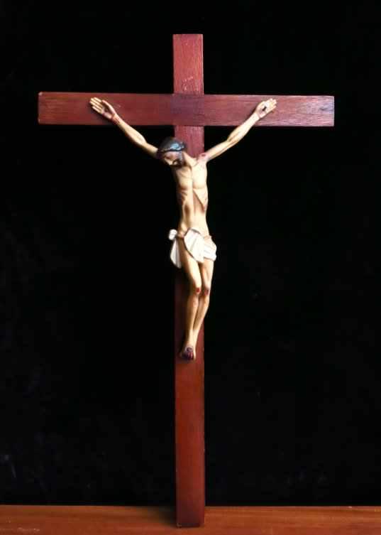 Vintage Plastic Crucifix - Image 2 of 4