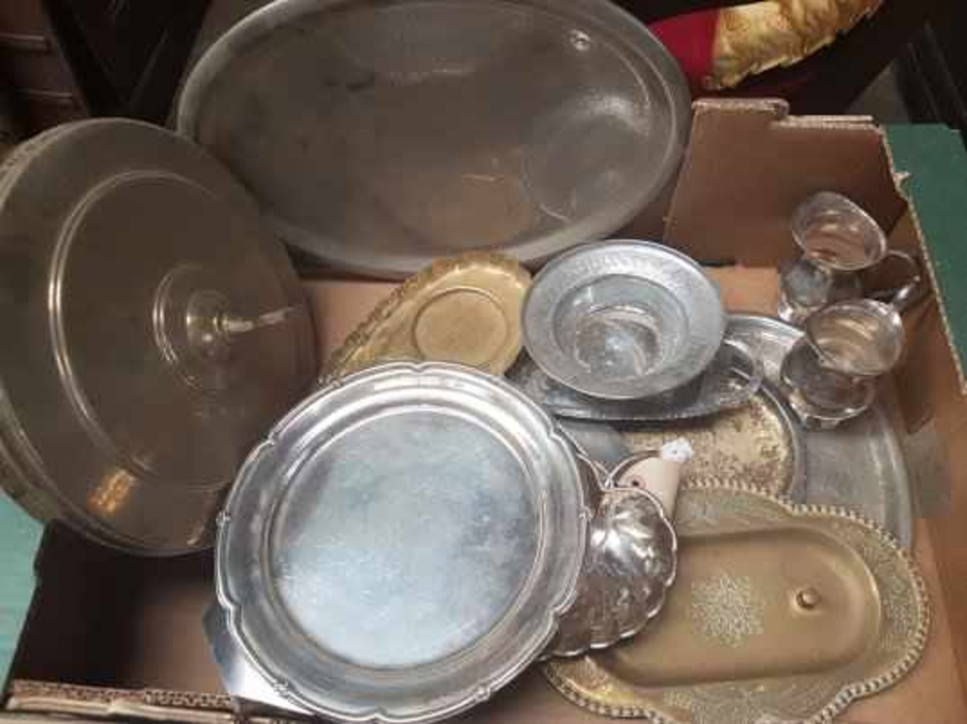 Box of Brass and Plate Communion dishes etc - Image 2 of 6