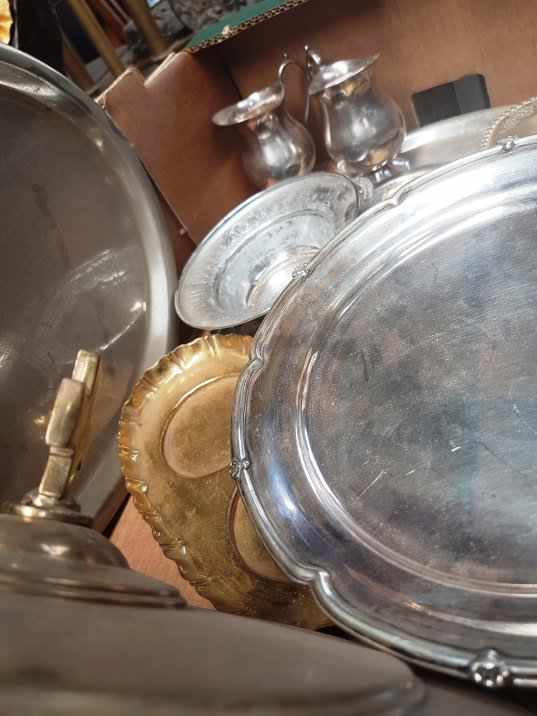 Box of Brass and Plate Communion dishes etc - Image 5 of 6