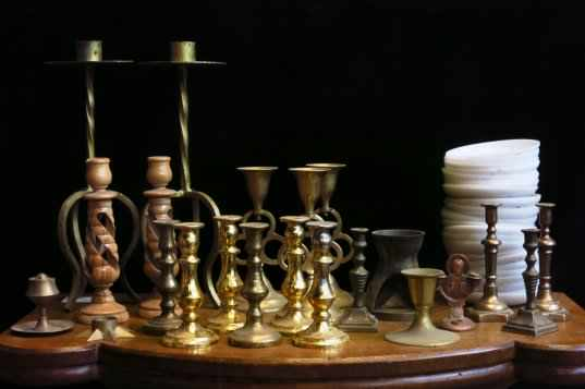 Assorted small candlesticks and candle wax catchers - Image 4 of 4
