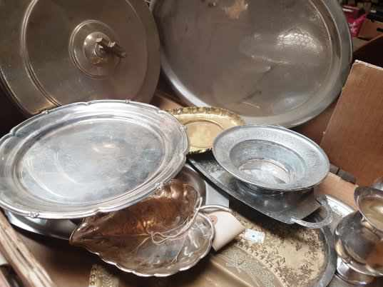 Box of Brass and Plate Communion dishes etc - Image 3 of 6