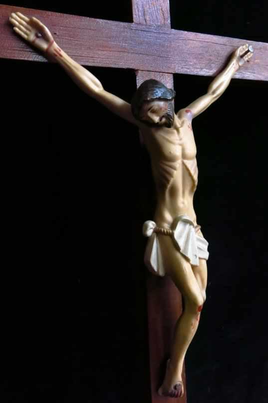 Vintage Plastic Crucifix - Image 4 of 4