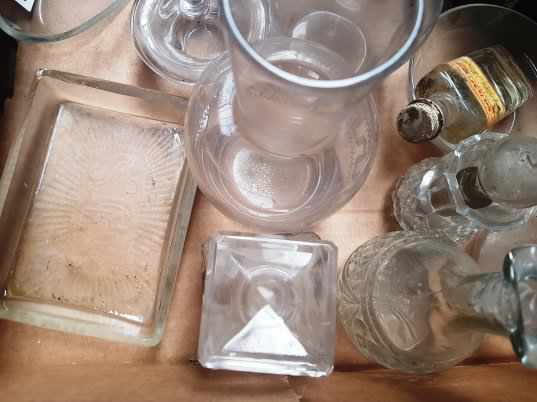 Box of assorted Glass Decanters Glass Stoppers Wafer Trays - Image 5 of 6