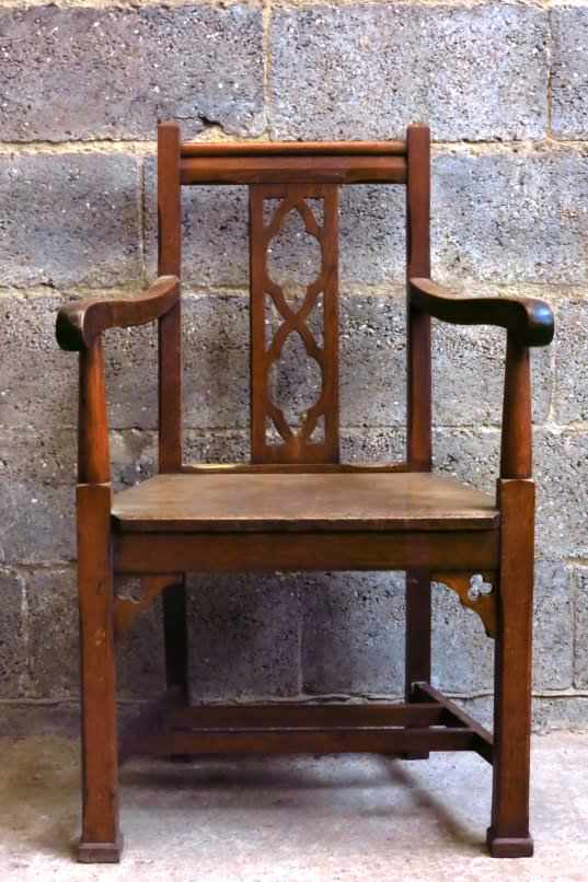 Solid Oak 1920s Clergy Chair with Quatrofoils - Image 3 of 4
