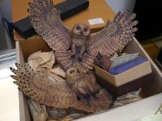 A group of Scottish collectables comprising: two boxed Tom Mackie porcelain and stoneware models