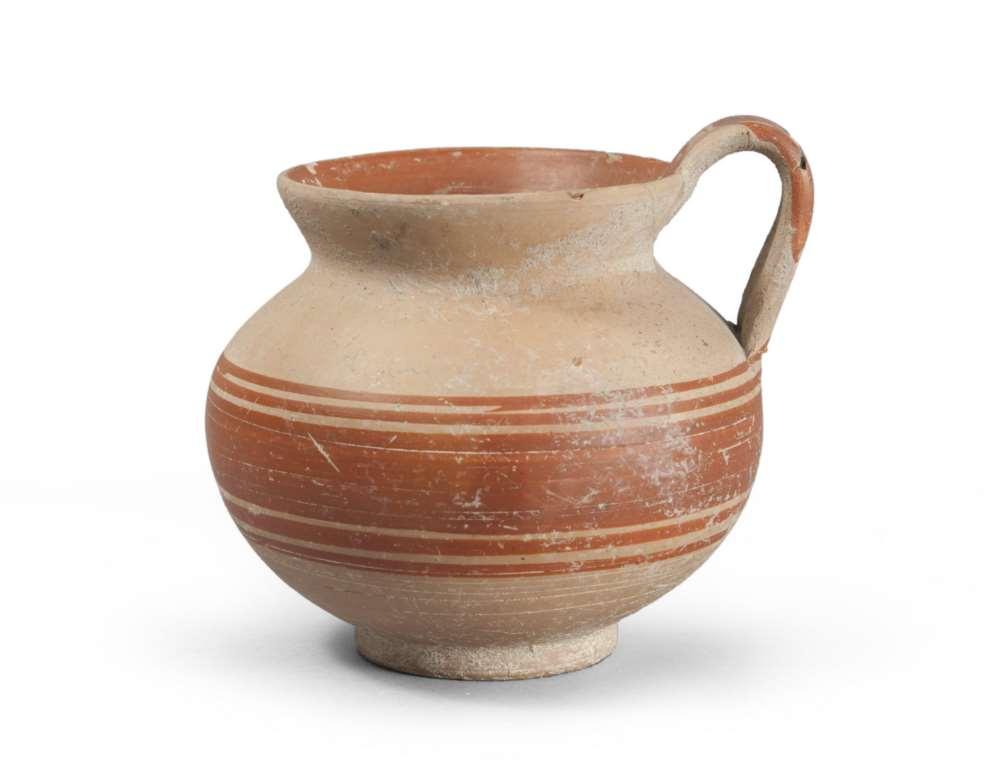 DAUNIAN VASE, 5TH-4TH CENTURY B. C. Clay Beige. Smooth flared hem set globular body, a small ring