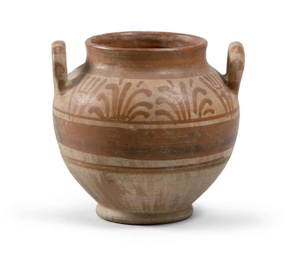 DAUNIAN SUB-GEOMETRIC VASE, 5TH-4TH CENTURY B.C. Ceramic slip coating with beige and brown glaze.