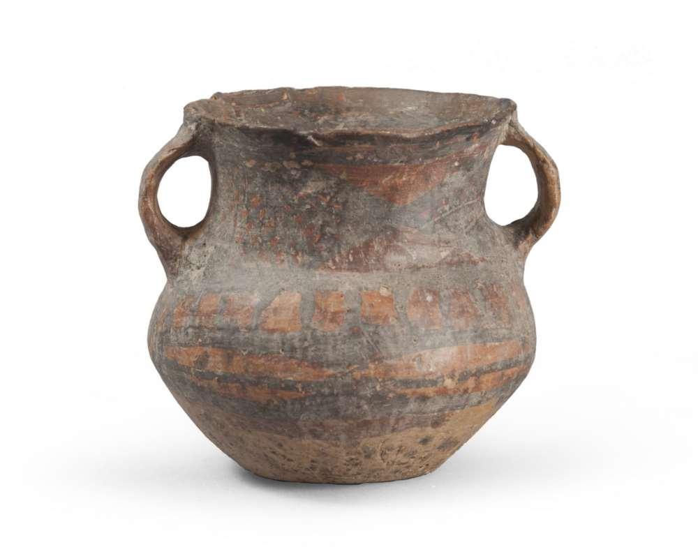 DAUNIAN AMPHORA, 5TH CENTURY B. C. Beige clay, slip coating orange and brown glaze. smooth flared