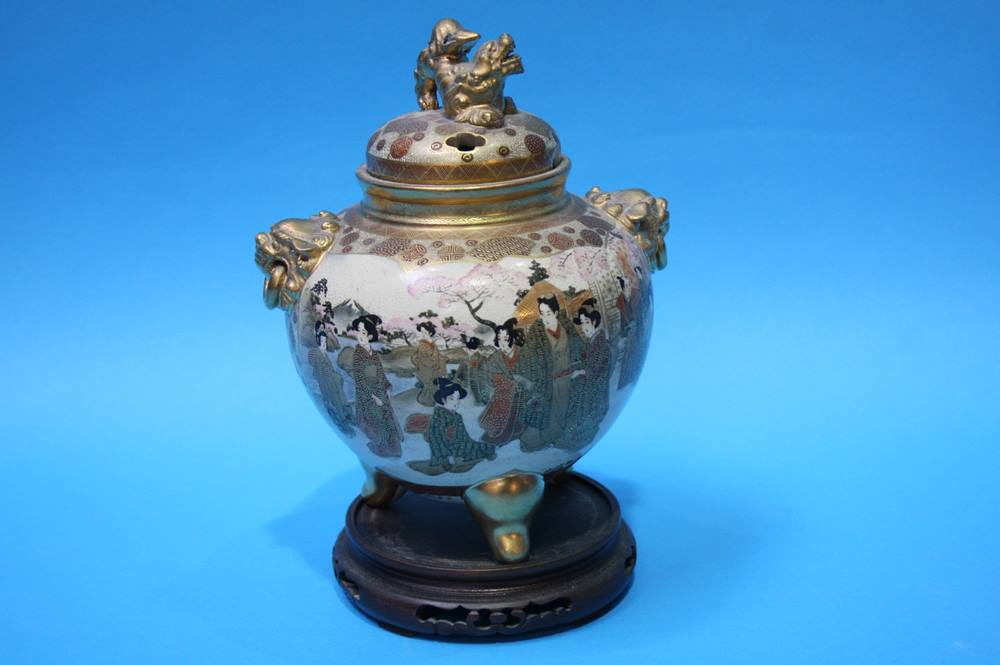 Lot 41 - A Satsuma pot pourri vase and cover