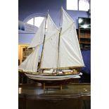 Model sailing boat