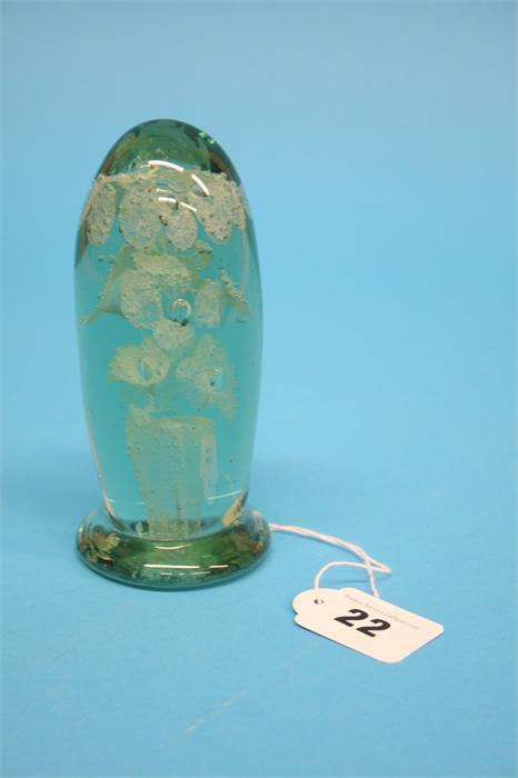 A Victorian glass dump with 3 tier flower, 13.5cm