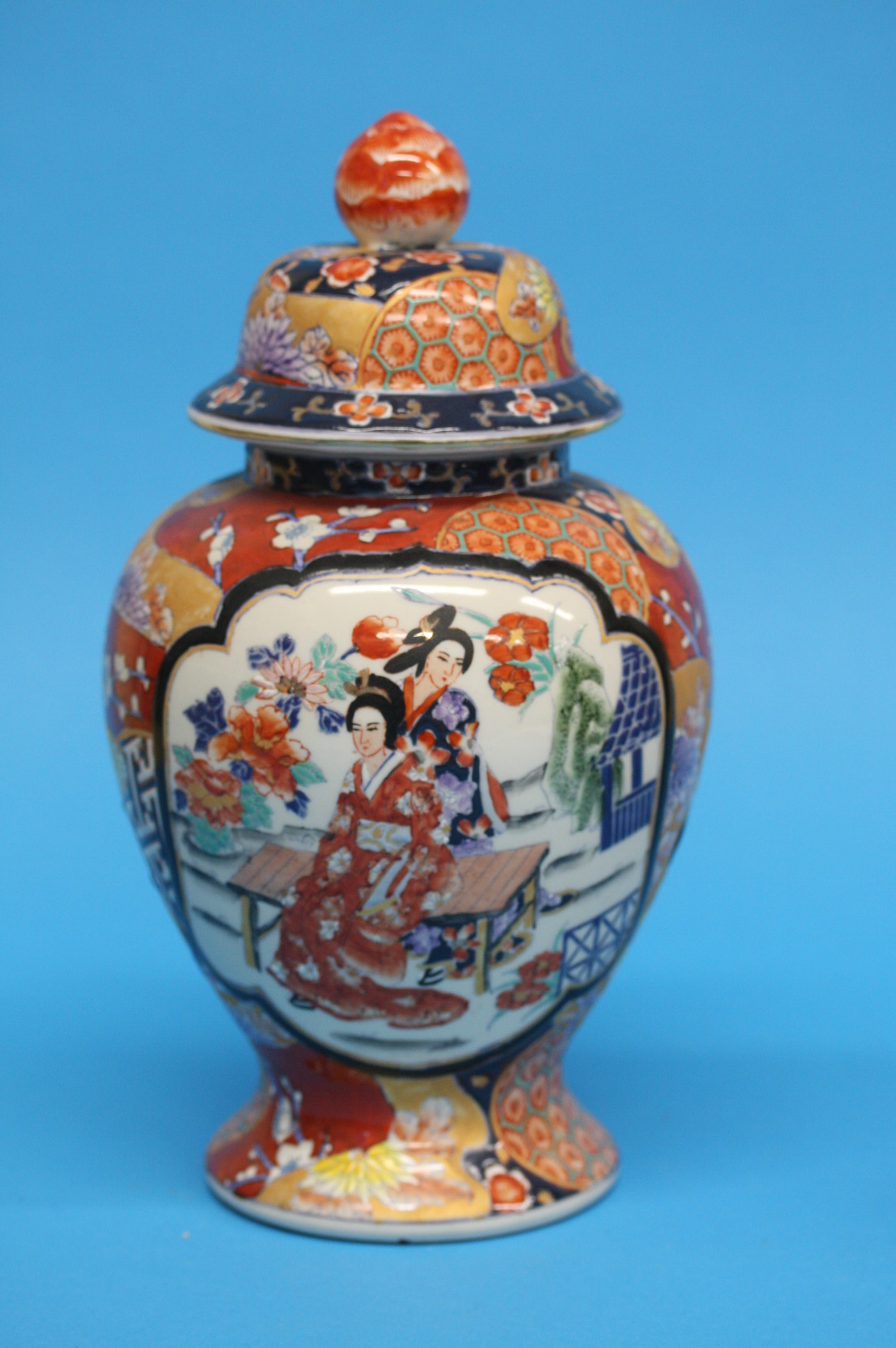 A pair of modern Oriental ginger jars and covers, - Image 2 of 3