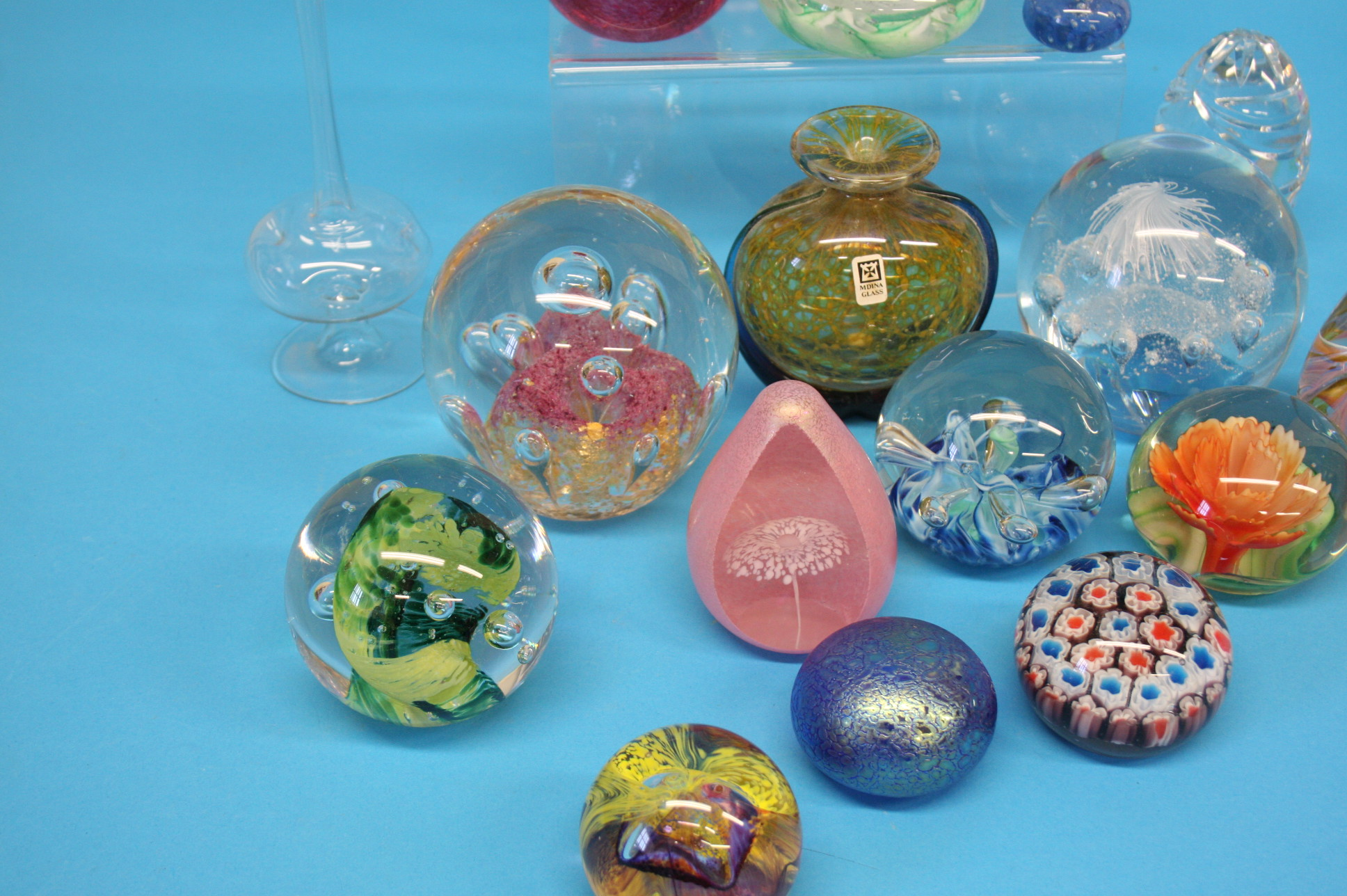 A box of Mdina glass and a collection of various p - Image 3 of 4