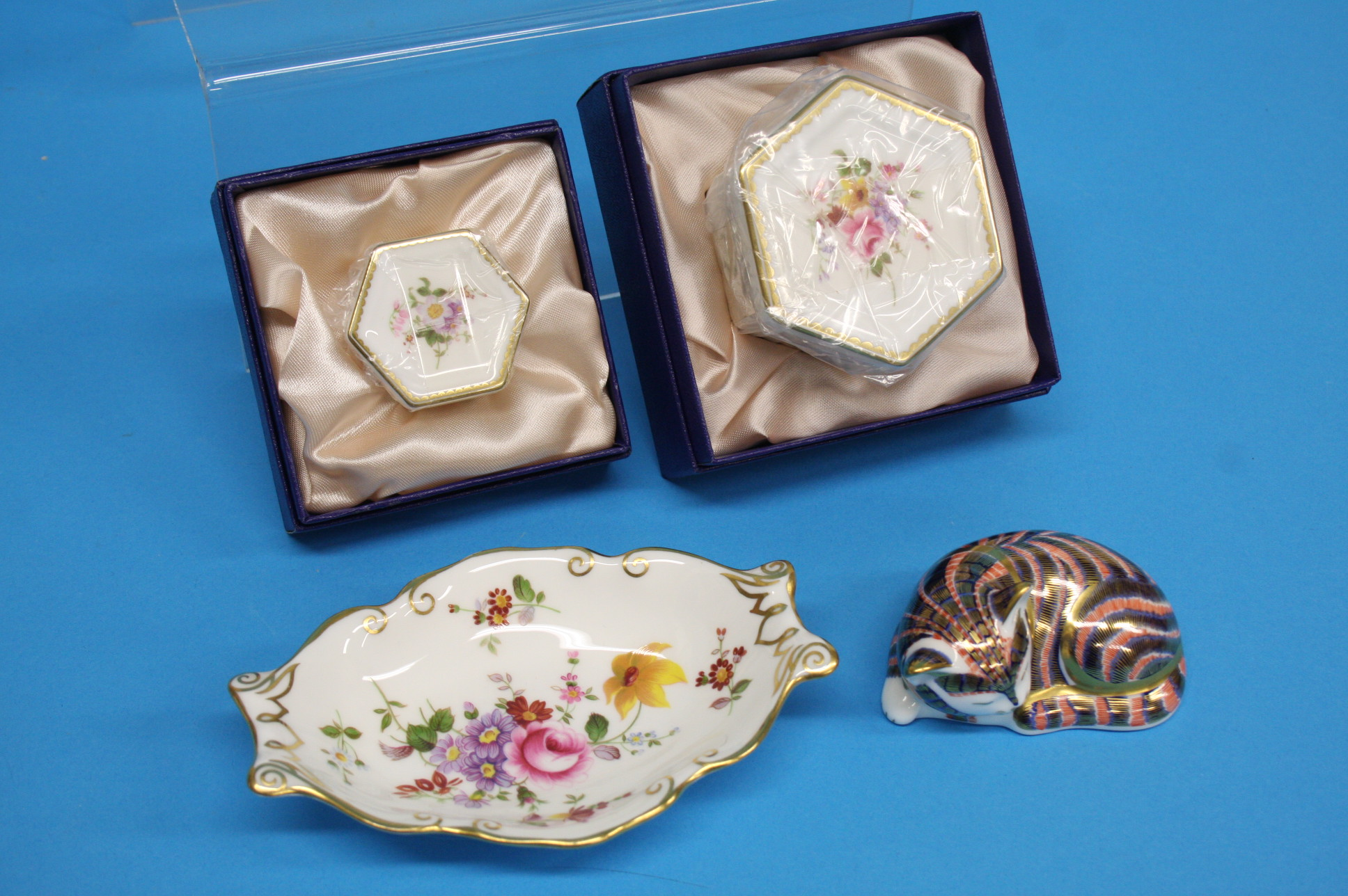 A collection of five Royal Crown Derby paperweight - Image 4 of 4