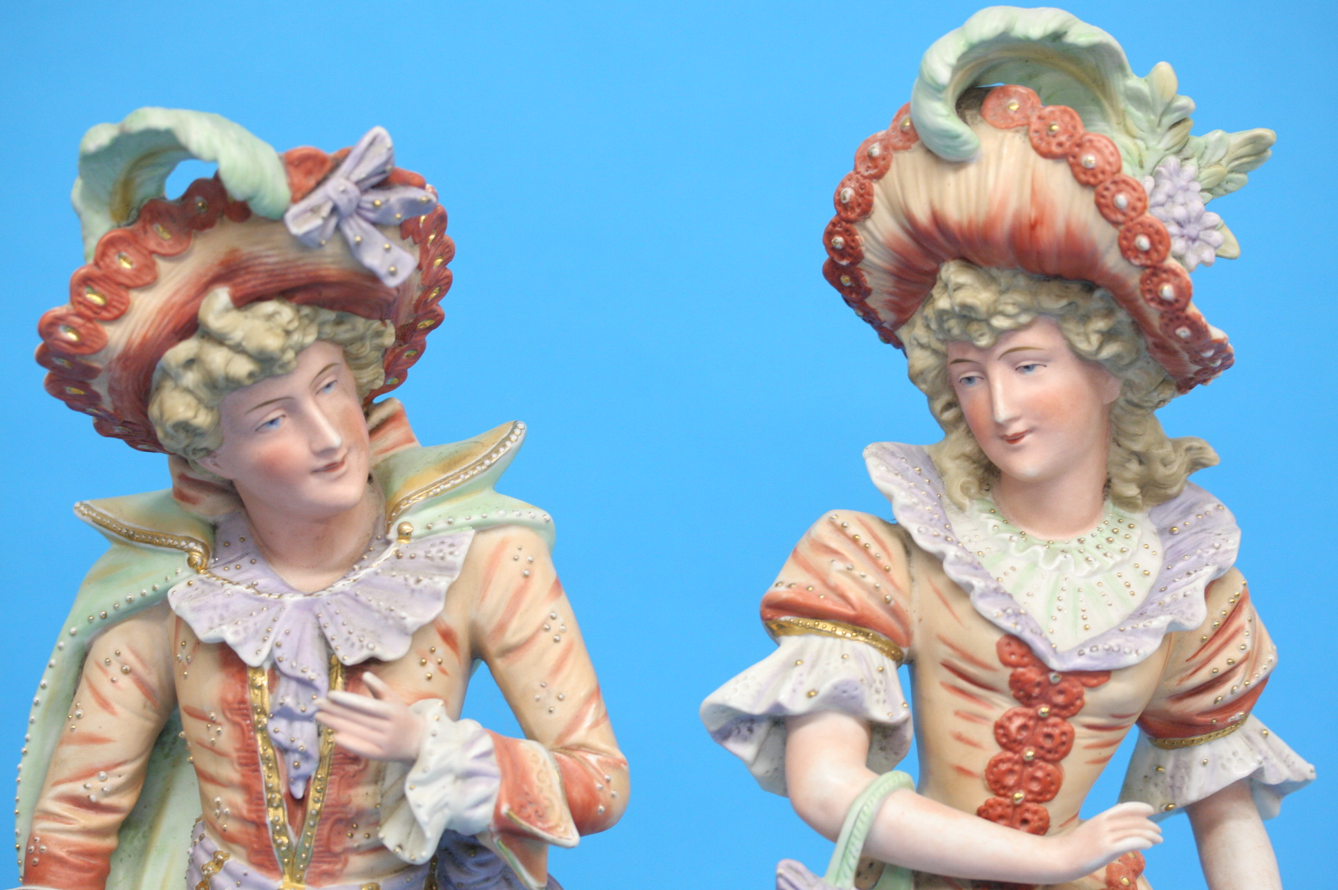 A pair of continental bisque figures of a gallant - Image 2 of 4