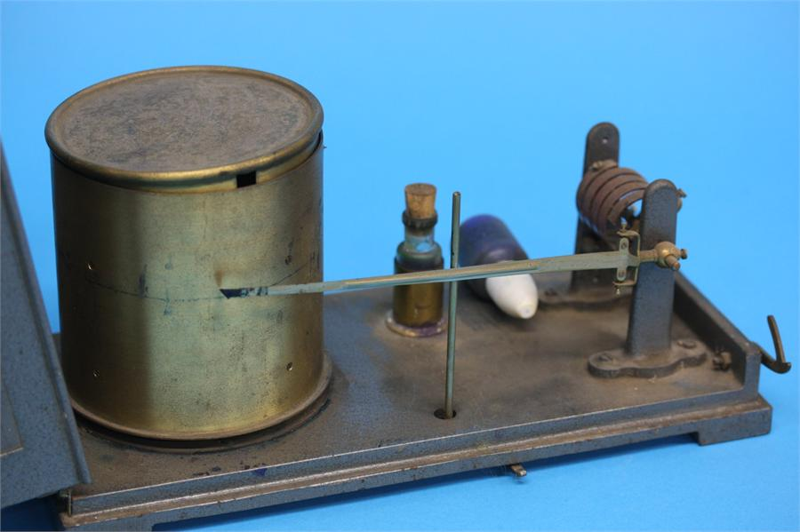 A Barograph by F.Robson and Co. Newcastle upon Tyn - Image 2 of 2