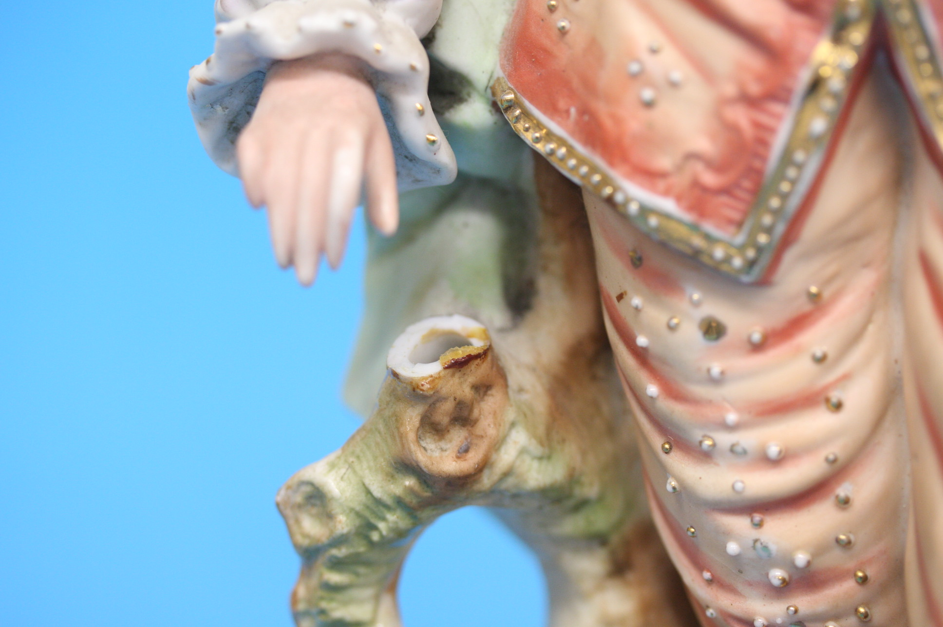A pair of continental bisque figures of a gallant - Image 3 of 4