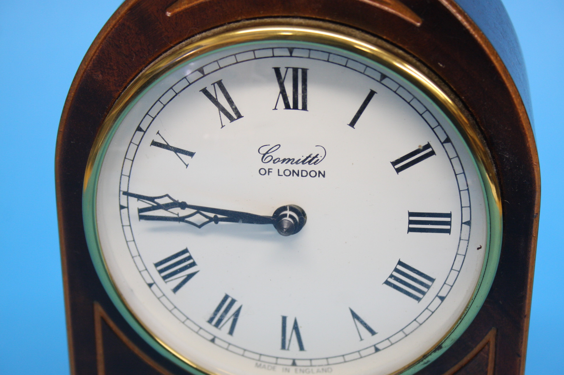 A Comitti of London mantel clock (battery operated - Image 2 of 3