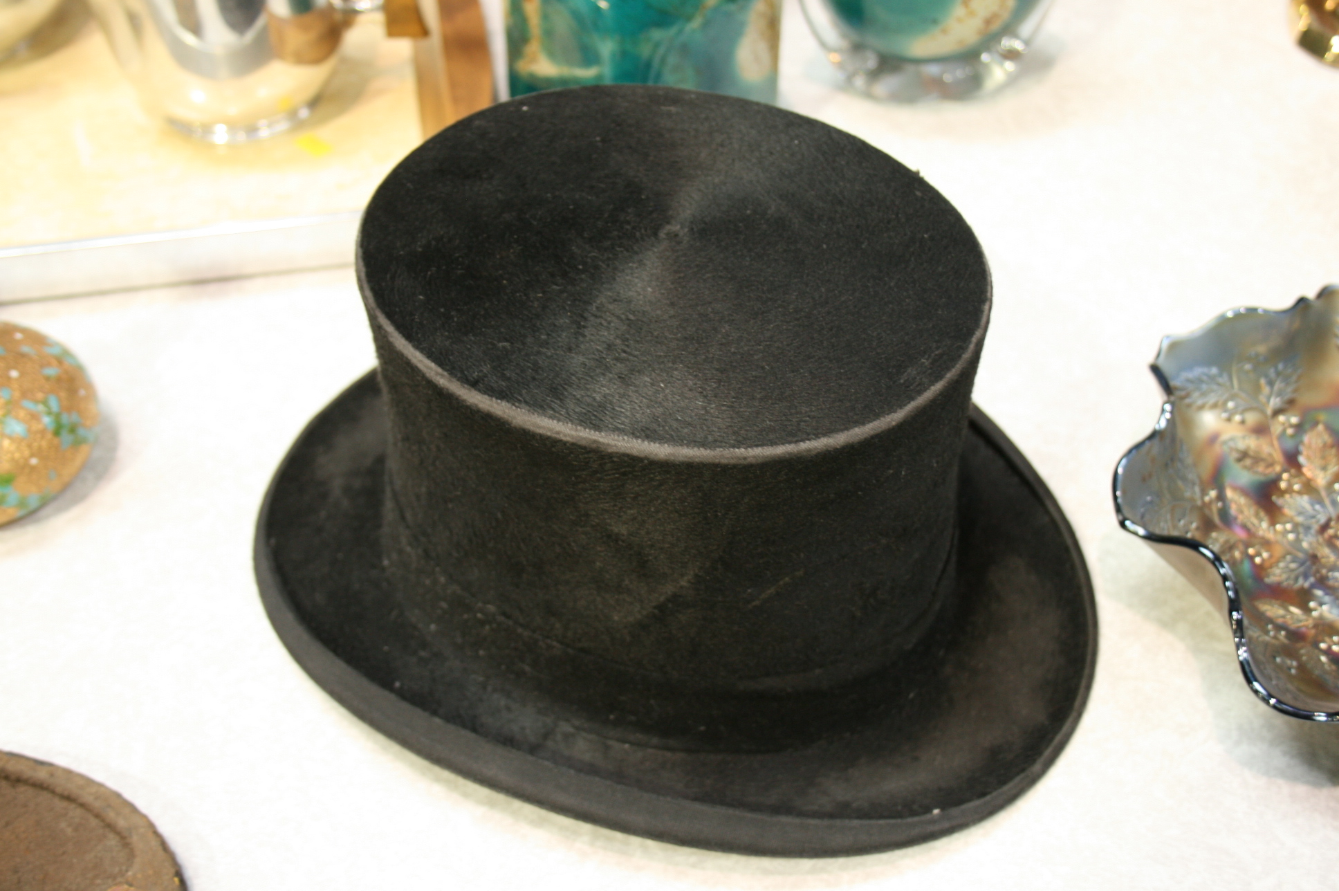 Lot 9 - Top Hat