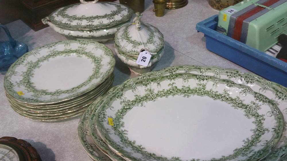 Lot 20 - Green and white dinner service