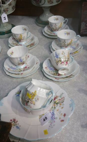 Lot 45 - Windsor tea set