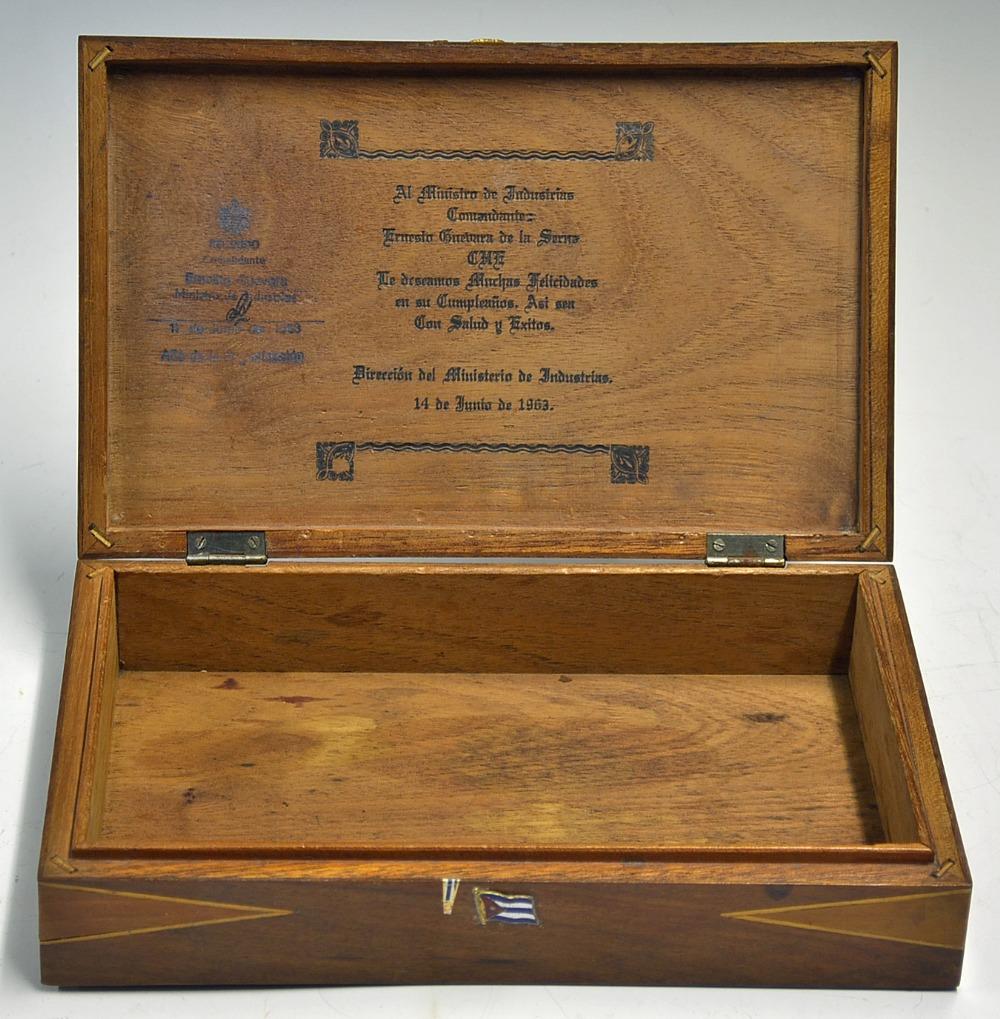 Che Guevara's Signed Personal Cigar Box 1963 Cuban post-Revolution. Ernesto Rafael 'Che' Guevara - Image 6 of 7