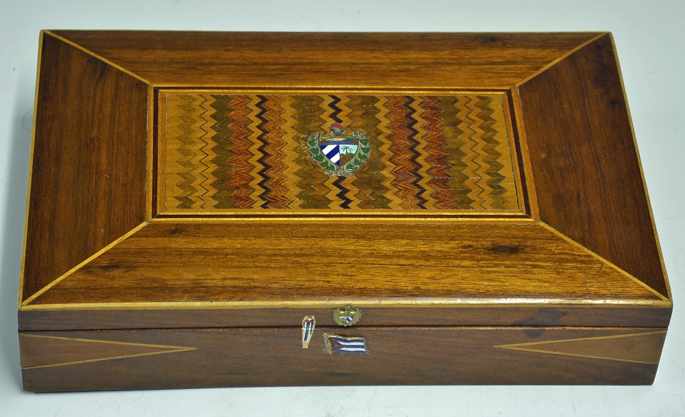 Che Guevara's Signed Personal Cigar Box 1963 Cuban post-Revolution. Ernesto Rafael 'Che' Guevara - Image 3 of 7